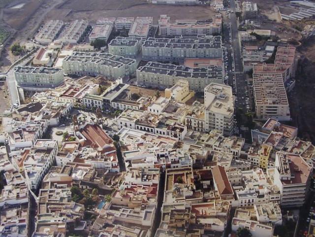 Foto aérea del casco y del ensanche en el año 2000