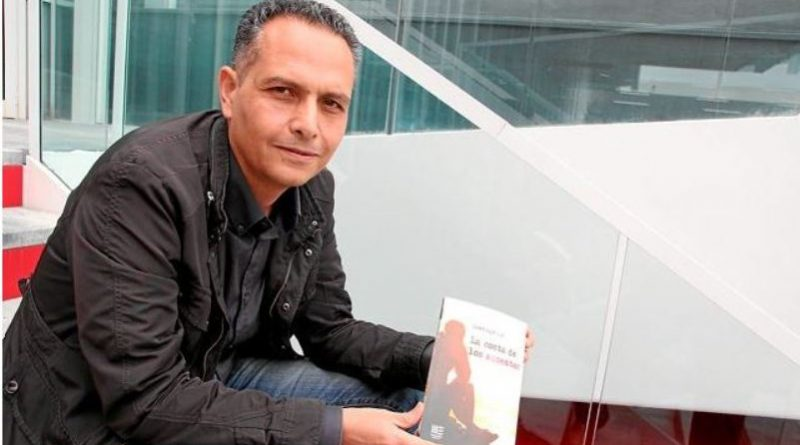 """Santiago Gil dirige un nuevo taller de escritura para """"buscar más allá de las palabras"""""""