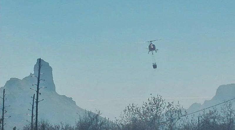 El incendio de la cumbre obliga a suspender las dos visitas guiadas al Roque Bentayga