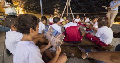 La Cueva Pintada incorpora a su programa educativo un itinerario bilingüe basado en el cuento 'Arajelbén'