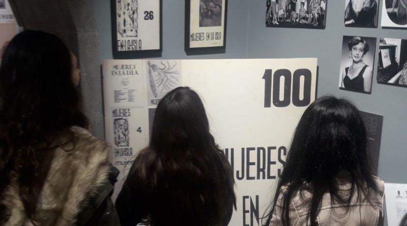 La exposición sobre la revista 'Mujeres en la Isla' echa el ancla durante dos meses en la Casa-Museo Tomás Morales, en Moya